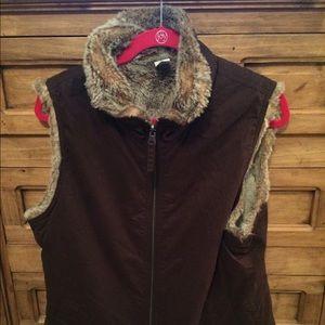 Gap reversible vest size L